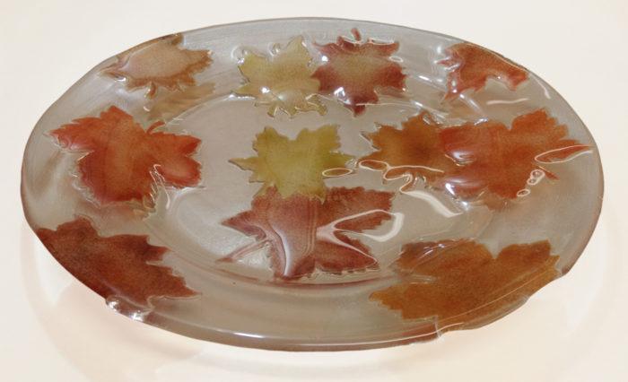 warm-glass-leaf-plate